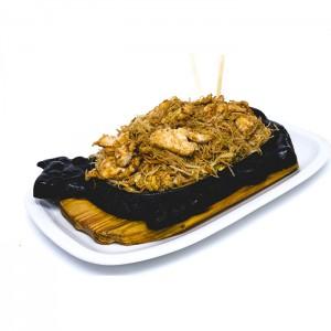 48. Спагети ФАН КАН, с пилешко месо, зеленчуци и яйце в/у метална плоча - 700гр.