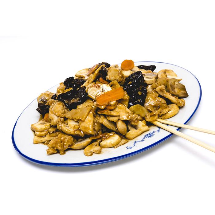 Цена 8.90 лв. за Пилешко с китайски гъби и бамбук в категория Ястия от пилешко месо от Ресторант Класико в София