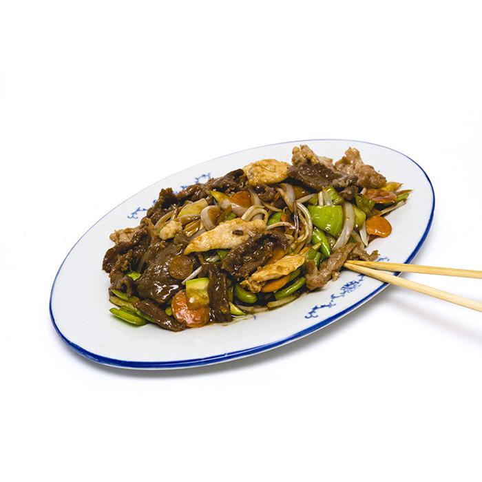 Цена 8.90 лв. за Три вида месо със зеленчуци в категория Ястия от пилешко месо от Ресторант Класико в София