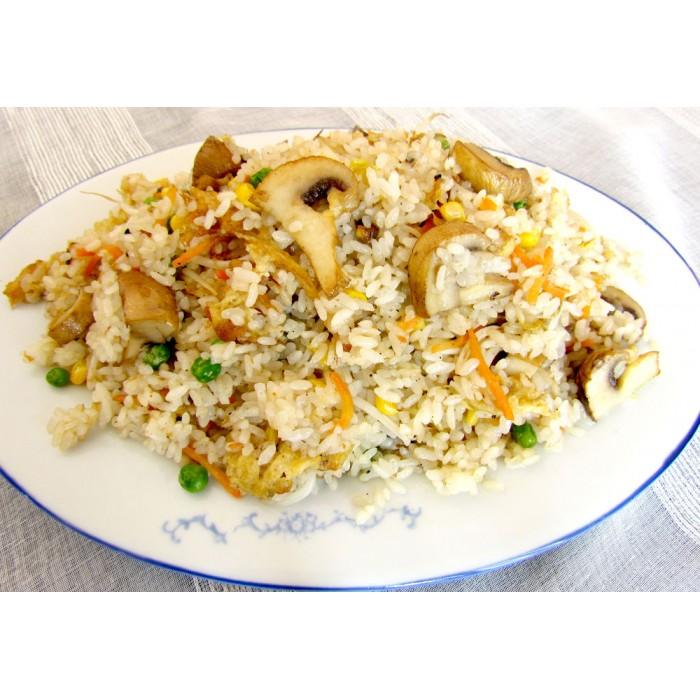 Цена 2.90 лв. за Пържен ориз с гъби печурки, зеленчуци и яйце в категория Ястия с ориз от Ресторант Класико в София