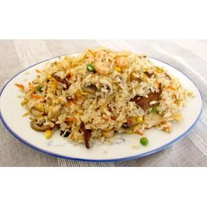 140. Пържен ориз с морски дарове, три вида месо и печурки  - 750гр.